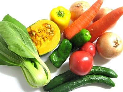 瑞々しい野菜の画像